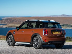 Mini Countryman vyrostl